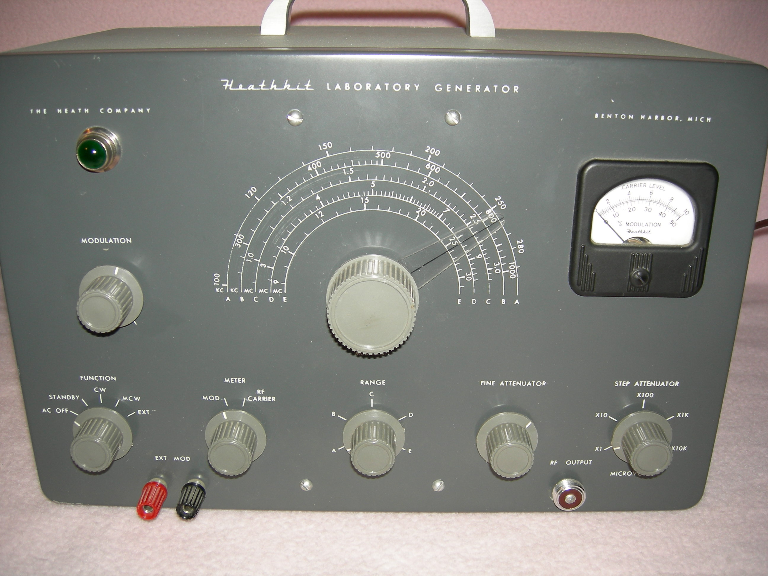 Heathkit Signal Generator : Vintage tube electronics archive bench test equipment