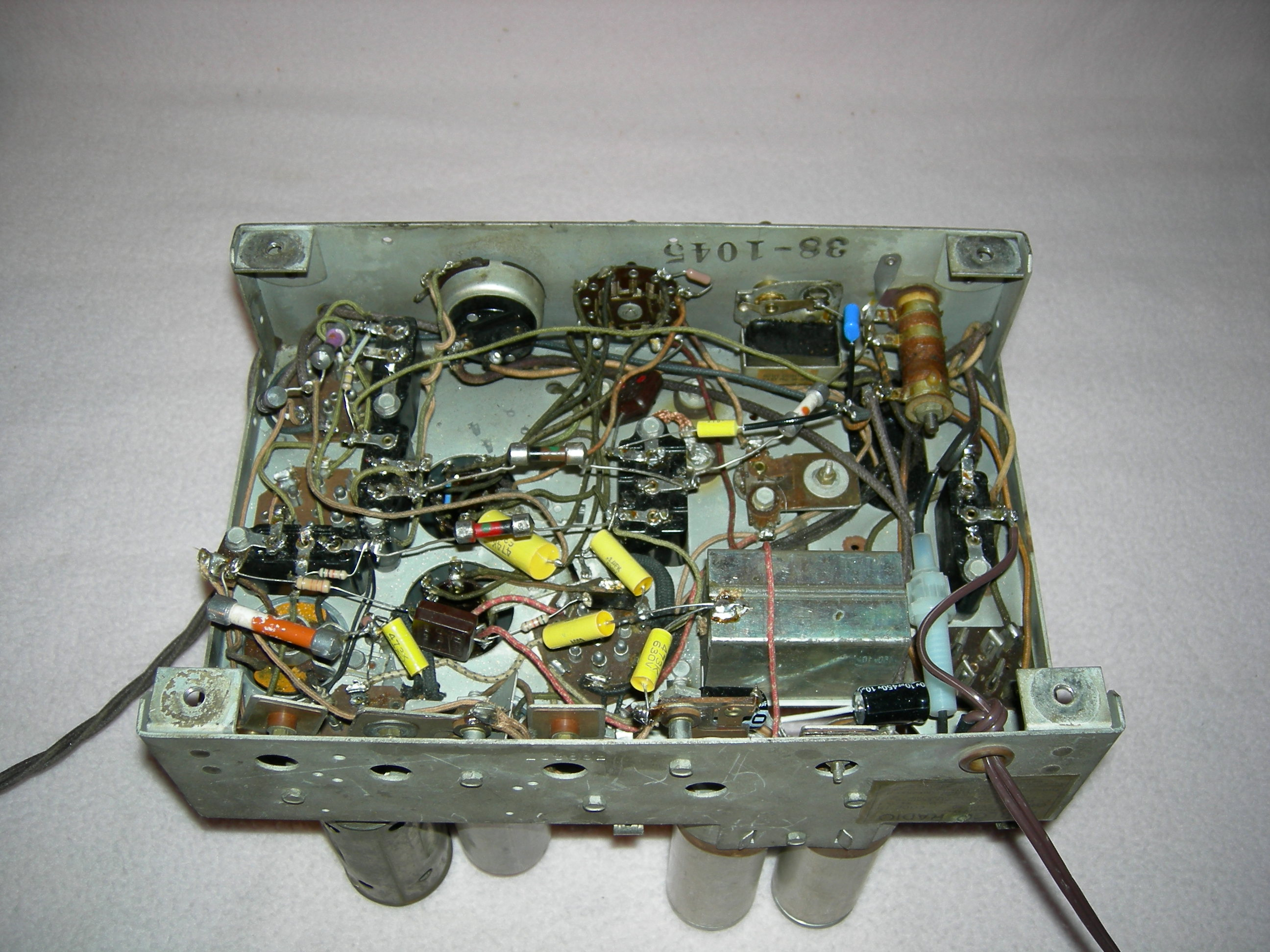 Philco Model 60 Under Chassis