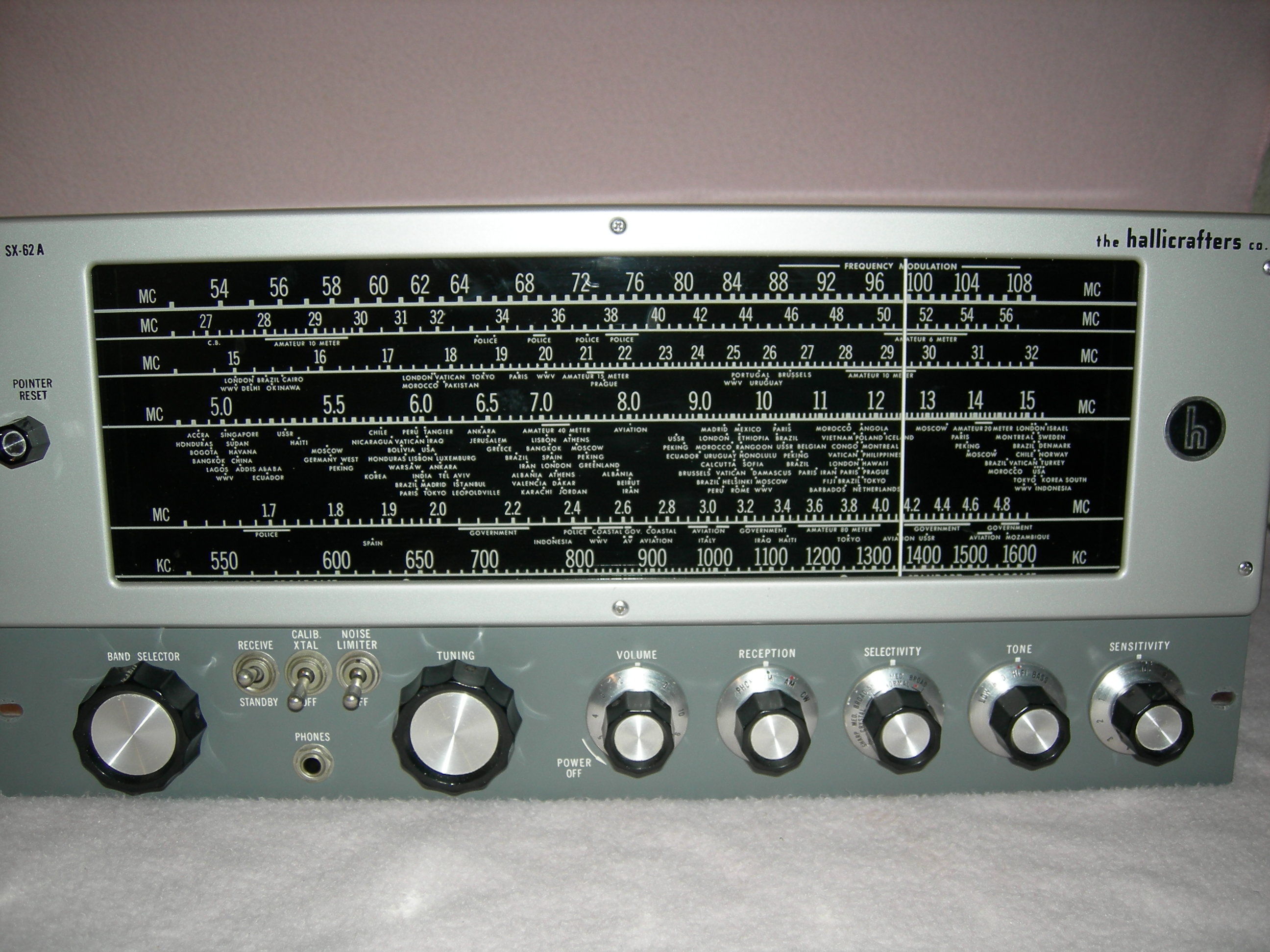 Hallicrafters SX-62A Front