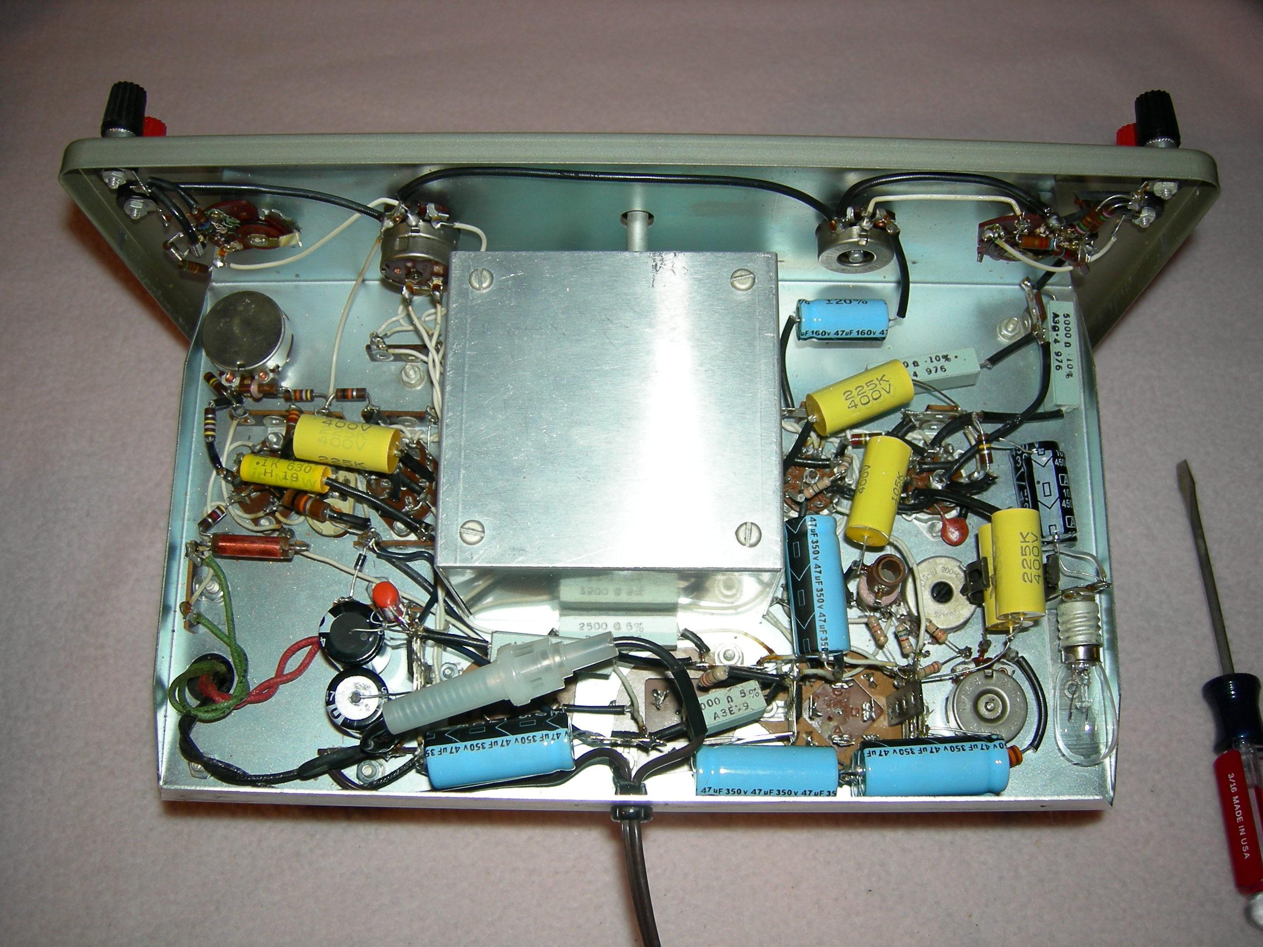 Heathkit IG-82 Sine-Square Wave Generator 003